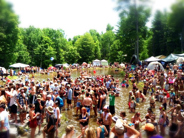 frendly pond party