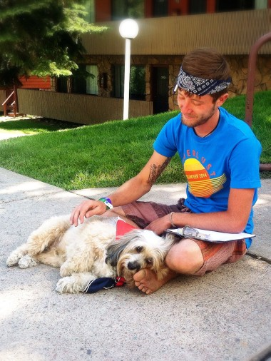 WL Volunteer (Andy) makes friends with a yogis pup